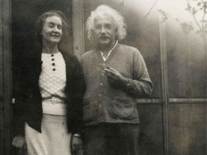 7-Маргарита Конёнкова и Альберт Эйнштейн.jpg