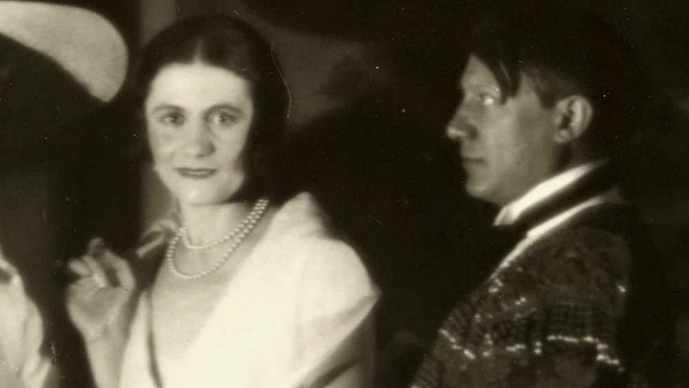 1-Ольга Хохлова и Пабло Пикассо.jpg