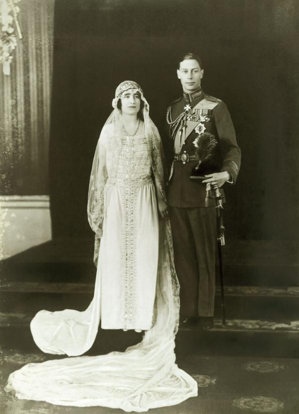 Елизавета и принц Альберт в день свадьбы - 1923.png