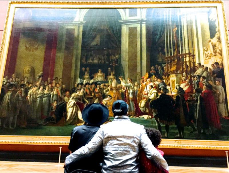 7-Картеры изучают картину Давида в Лувре - 2014.jpg