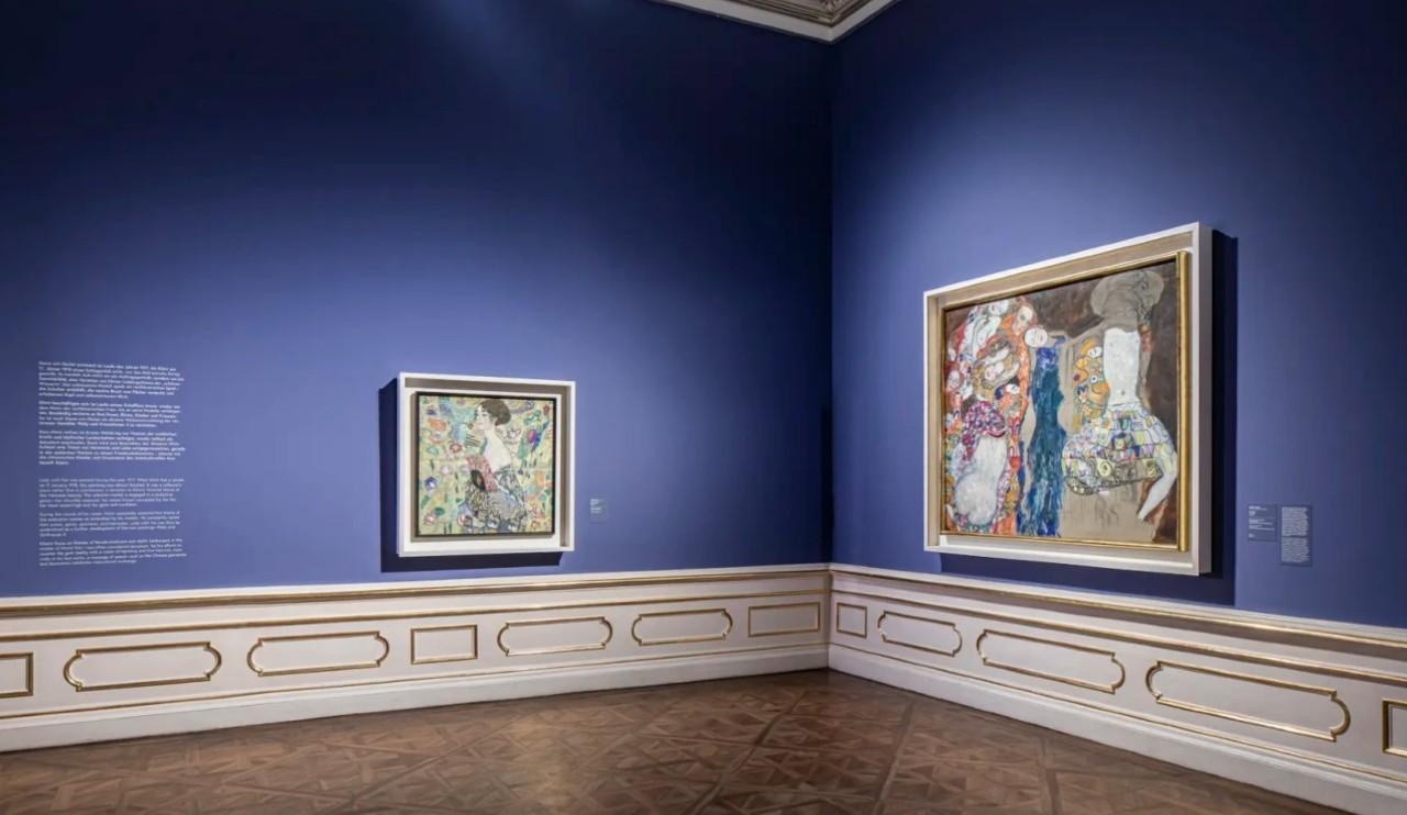 Зал с картинами Климта.jpg