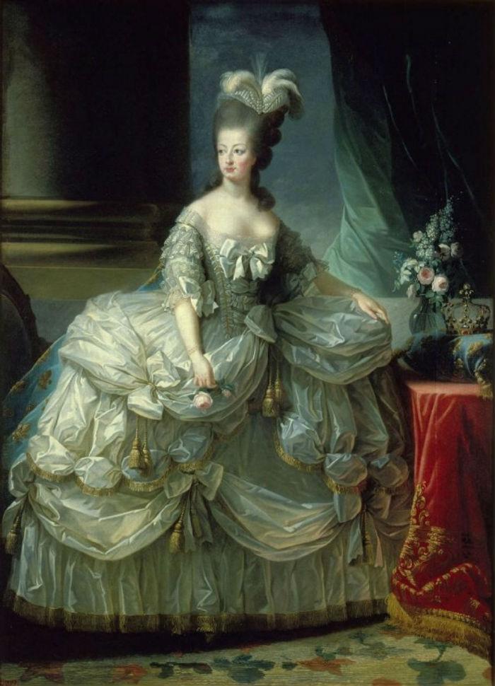 2-Мария-Антуанетта - XVIII век.jpg