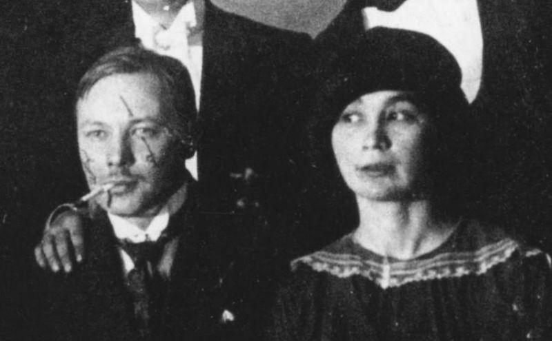 11-Михаил Ларионов и Наталья Гончарова - 1910.jpg