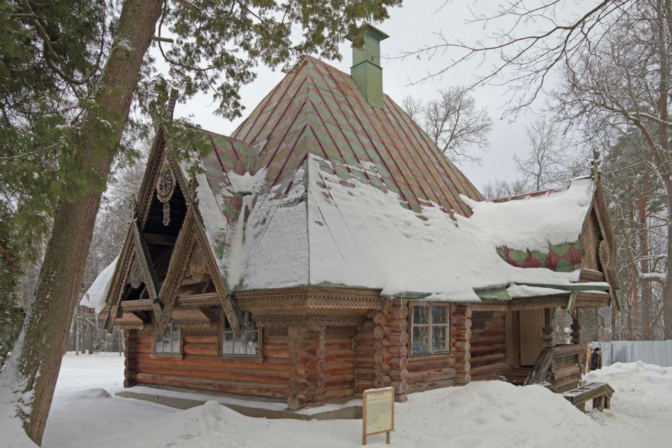 3-Баня-теремок в Абрамцеве построена по проекту архитектора Ивана Ропета (настоящая его фамилия - Петров Ропет - псевдоним-анаграмма).jpg