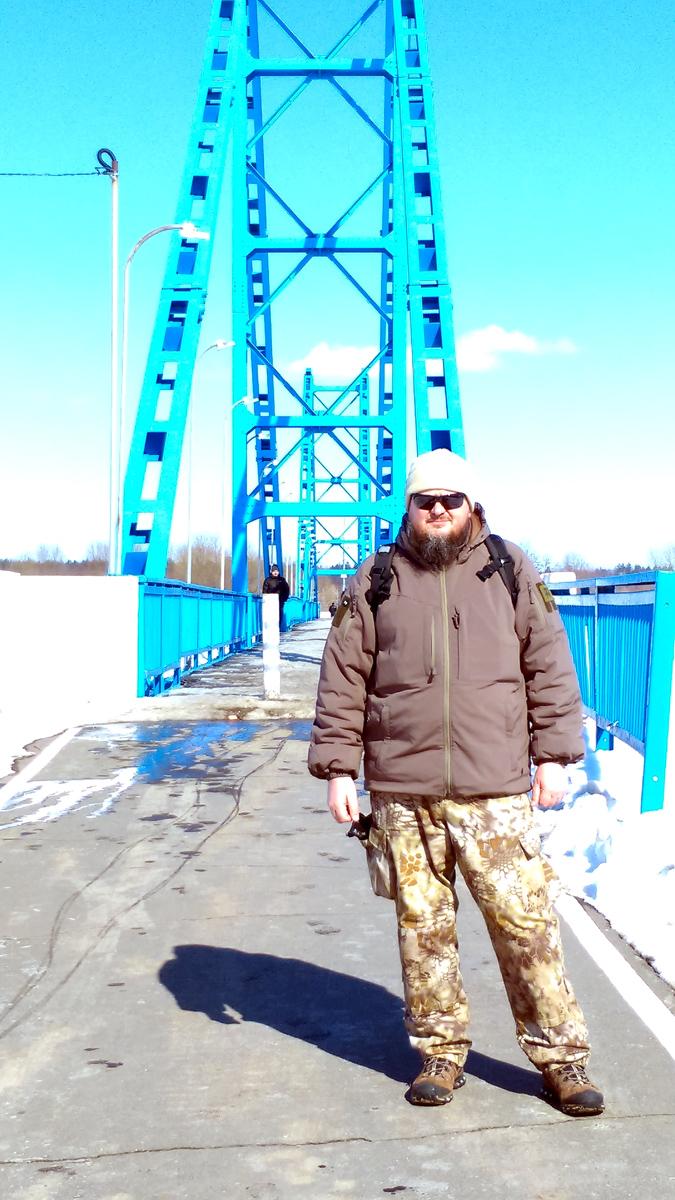 Я около пешеходного моста через Озеро Бельское (Бронницы)