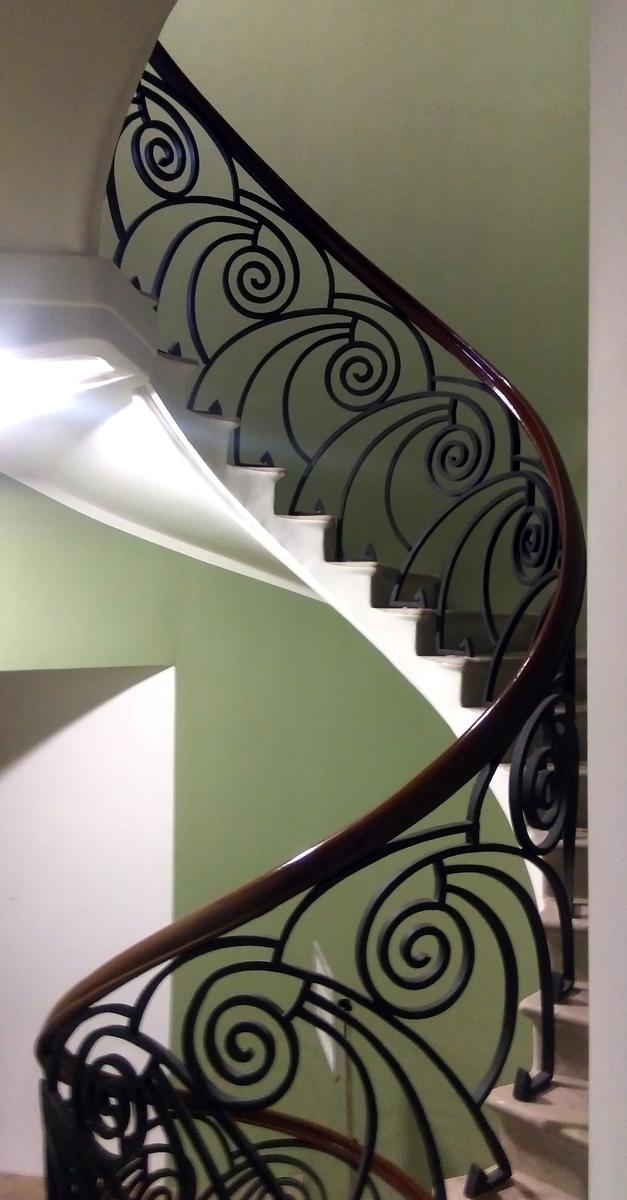 Продолжаем тему лестниц...