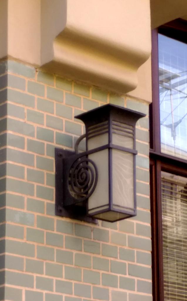 Светильники в соответствующем стиле...