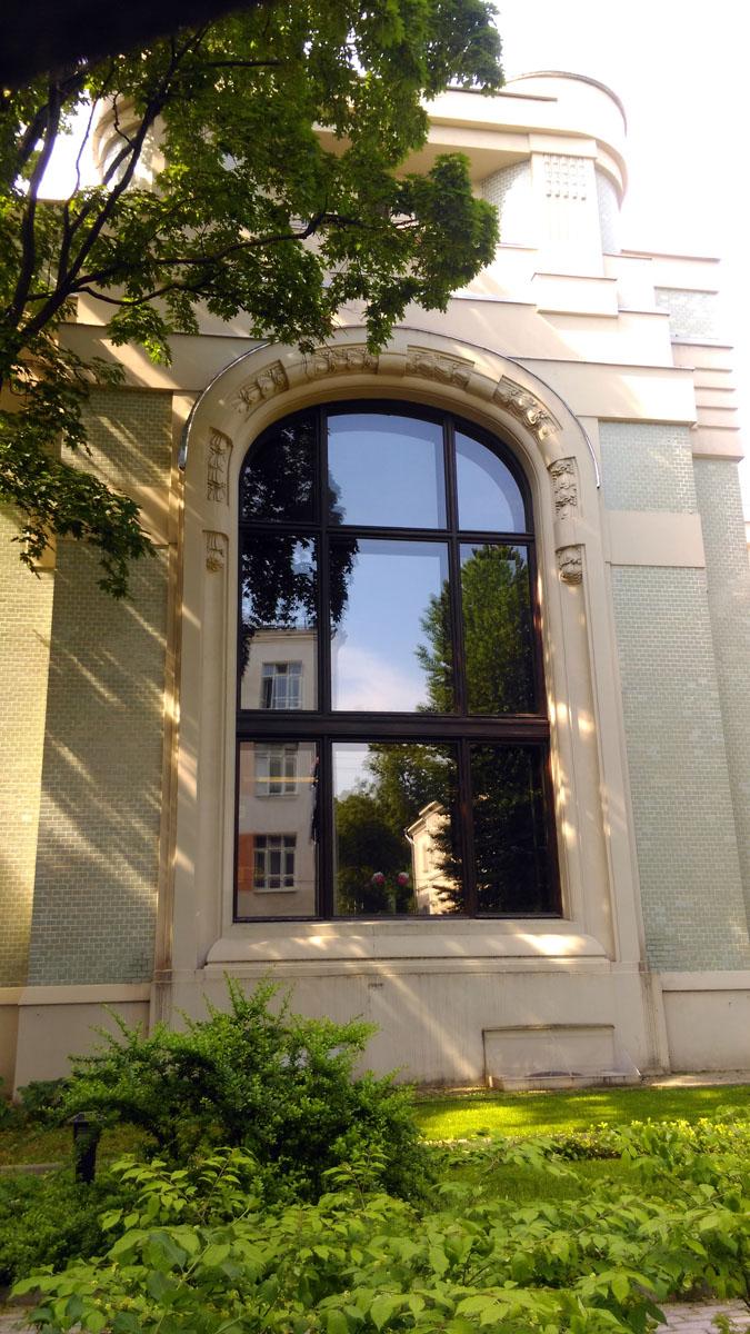 То самое огромное окно с которого началась моя история, рассказанная в трех частях... Им и завершу свой фотоотчет...