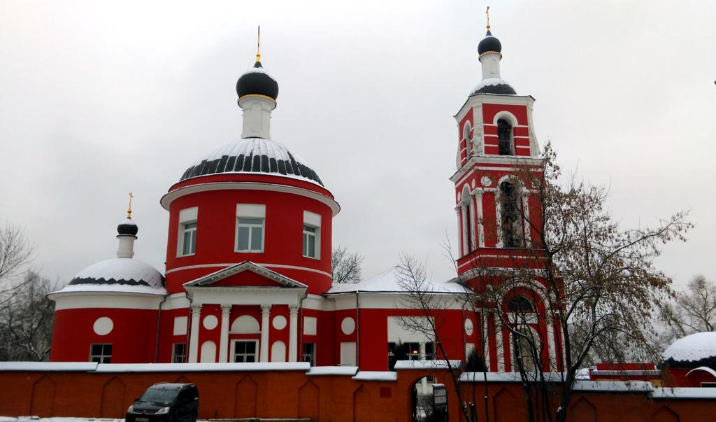 Храм Святых апостолов Петра и Павла в Петровском.  Строился с 1798 по 1805 г.