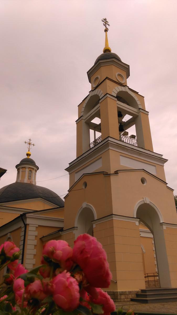 Храм Космы и Дамиана в Космодемьянском. Построен в 1726–1730 годы на месте старой ветхой деревянной церкви.