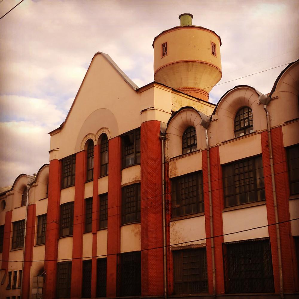 "25 июня 2019. Москва. Здание фабрики ""Эрманс""."