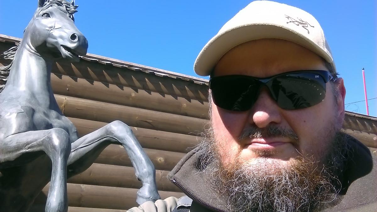 Сэлфи с лошадкой и дальше по машруту деревня Сельвачёво, село Вишняково. Но об этом в другой раз.