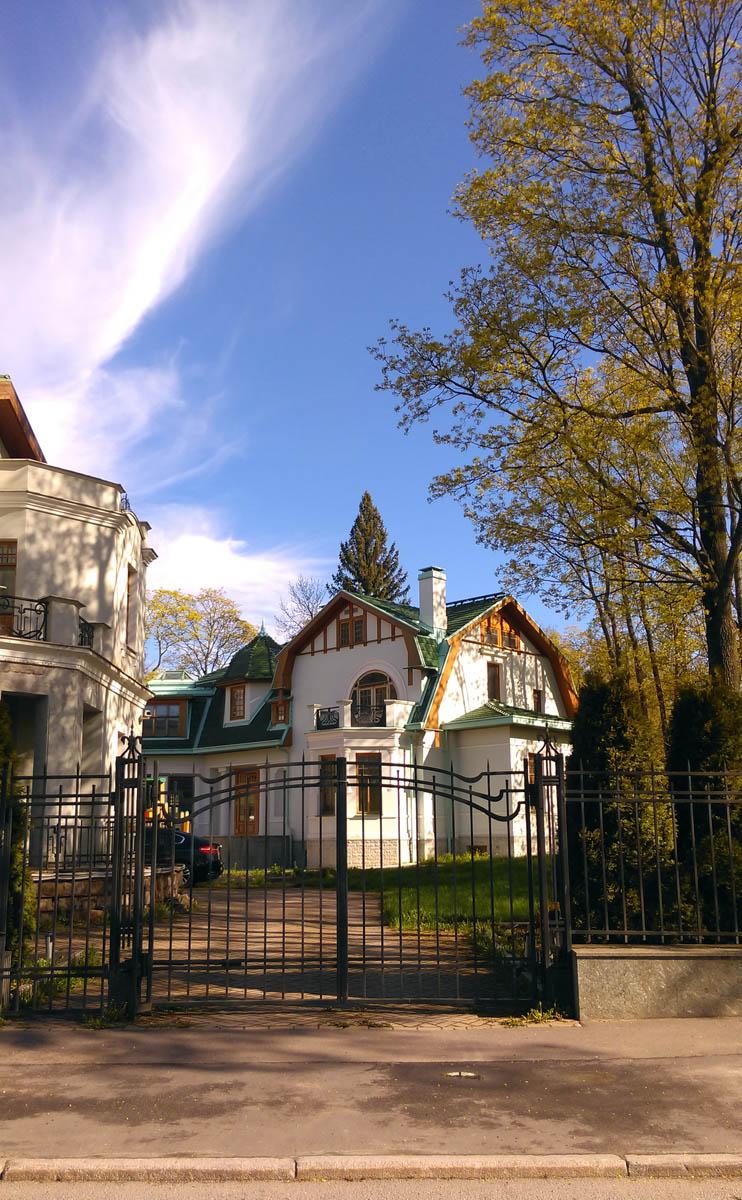 Дача Н. С. Свиягина построена в 1908 г. по проекту Д. А. Крыжановского.