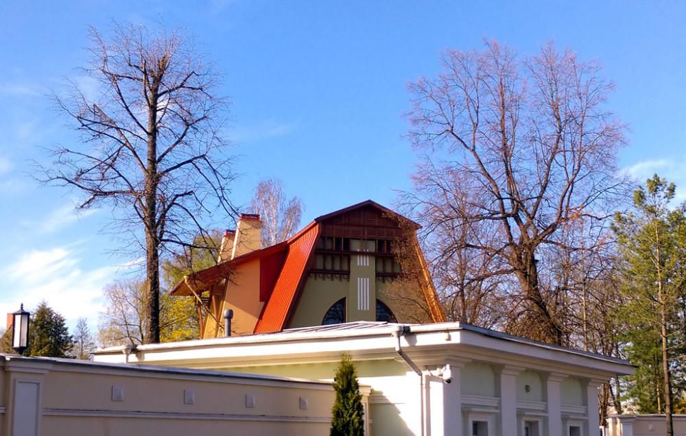 Собственный дом архитектора В. И. Шене. 1904 — строительство. 1968-1970 — реконструкция с утратой интерьеров.