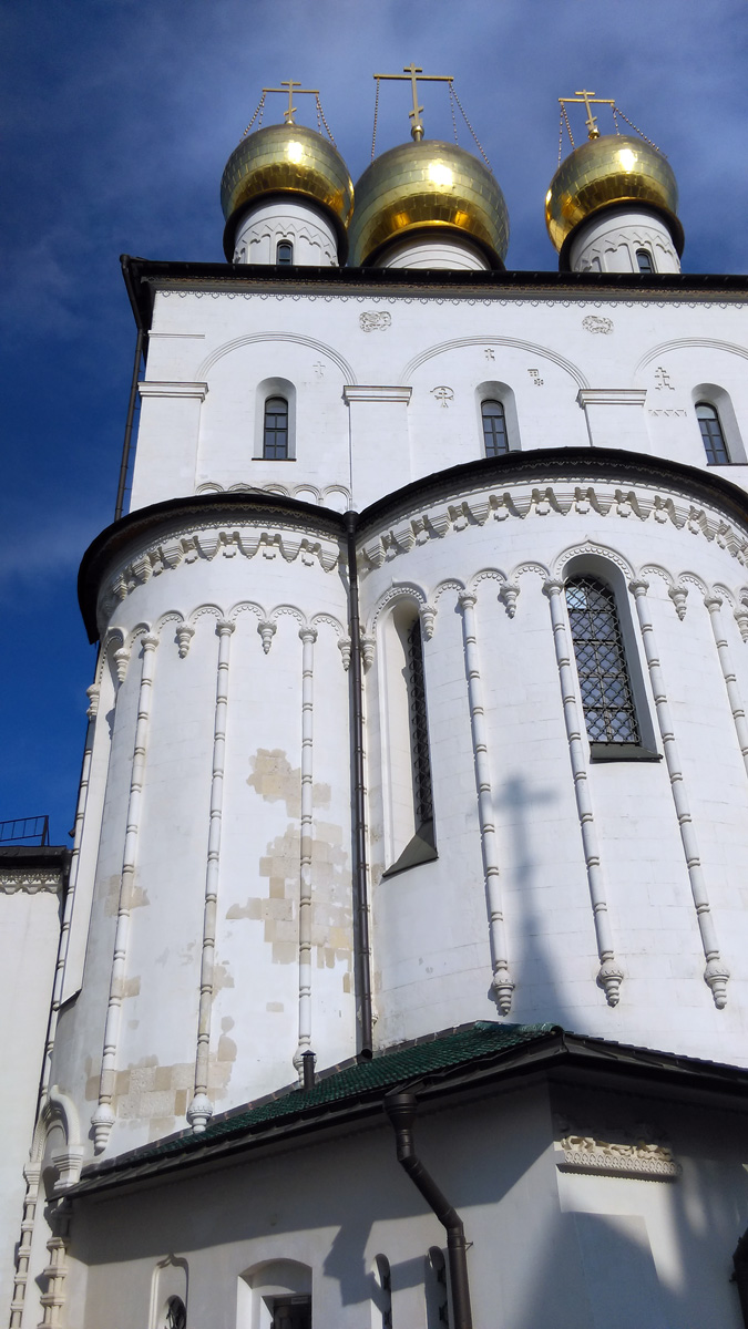 А реставрация самого собора началась в 2007 году и продлилась в течение шести лет.