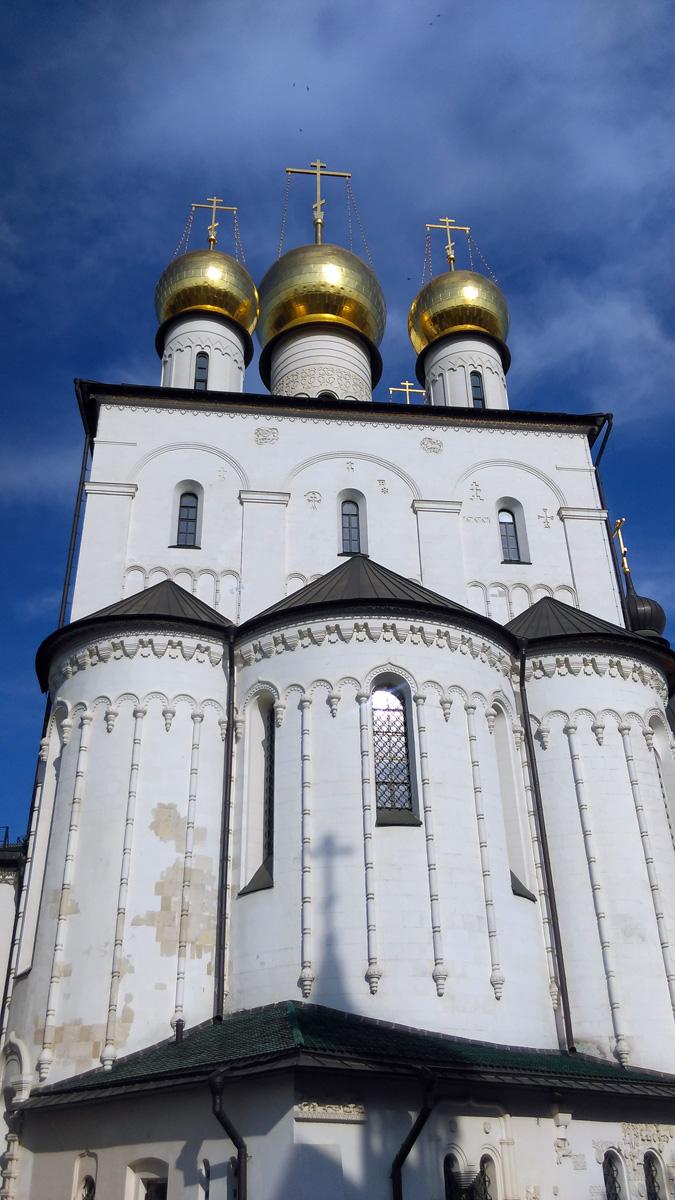 Тем не менее, в свой юбилейный 2013 год Феодоровский собор вступил полностью обновленным. 100-летие храма стало его новым рождением, точкой отсчета его новой истории.