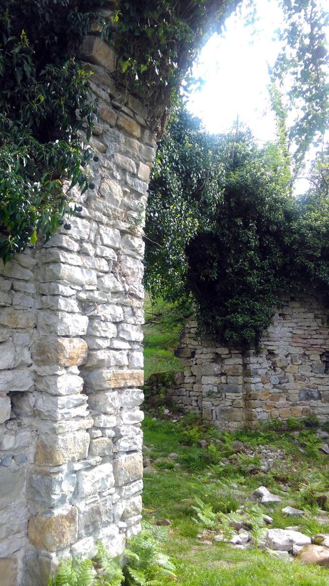 18 апреля 2018. Руины Храма в селе Ахштырь.