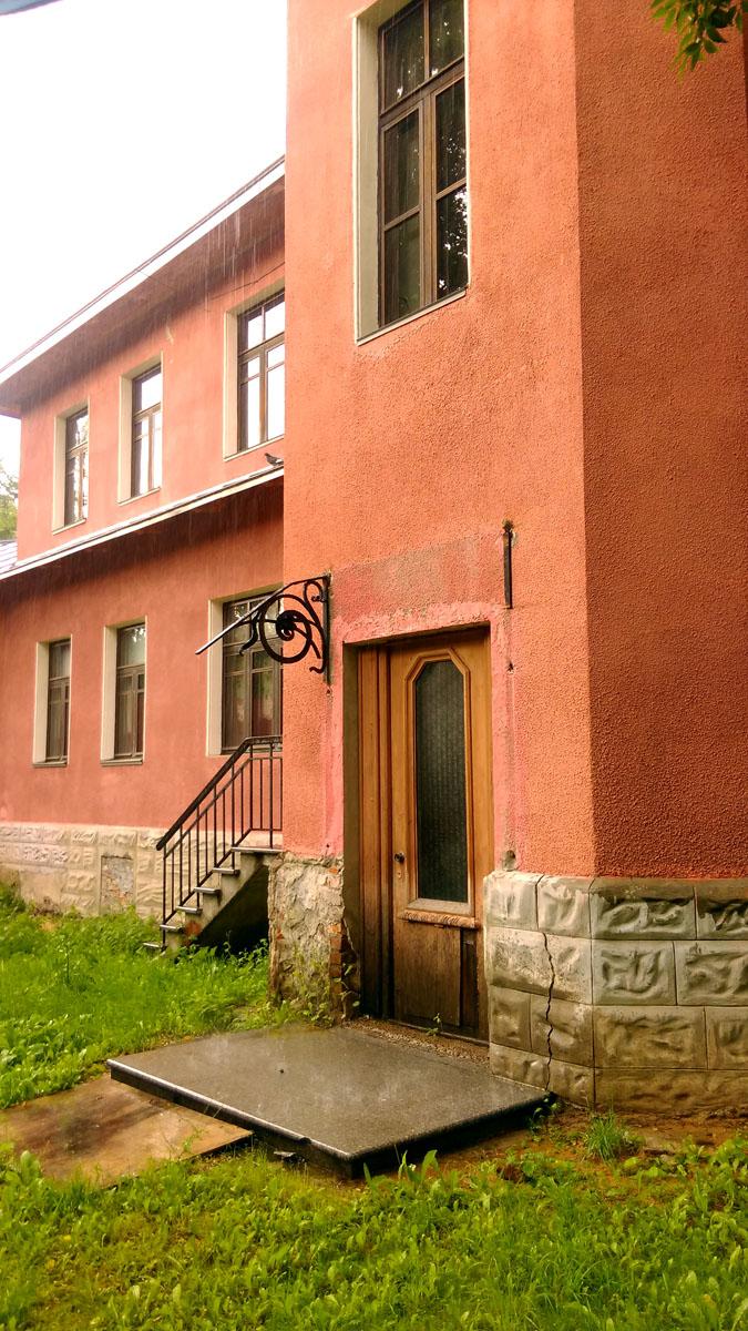 В дальнейшем здесь располагались различные государственные учреждения, а в настоящее время – Детский центр дошкольного образования, так называемый Музыкальный дом Шостаковичей