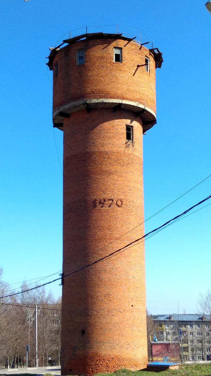 Водонапорная башня в Чурилково.