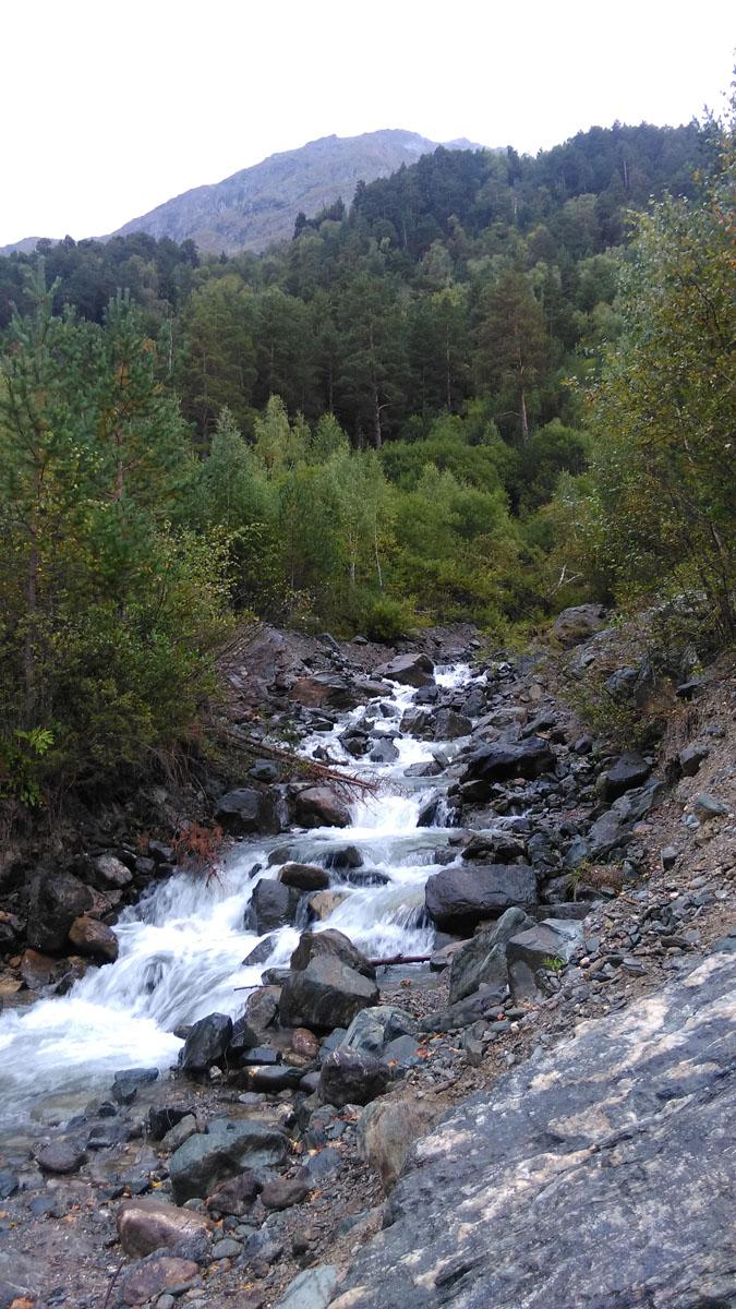 А чуть дальше ущелье реки Когутайки.
