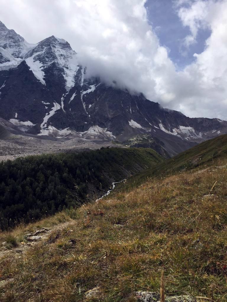 Гора Накратау 4269 м. Облака все гуще...