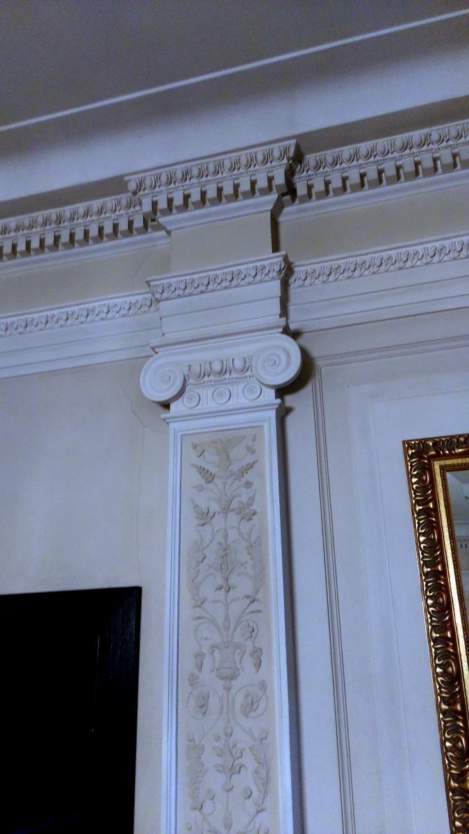 И это не случайно. Каждое помещение сделано в разном стиле. Мне, все-таки, интереснее и ближе другие проекты Федора Осиповича, которые построены от начала до конца в едином стиле, например, Особняки Рябушинского и Дерожинской.