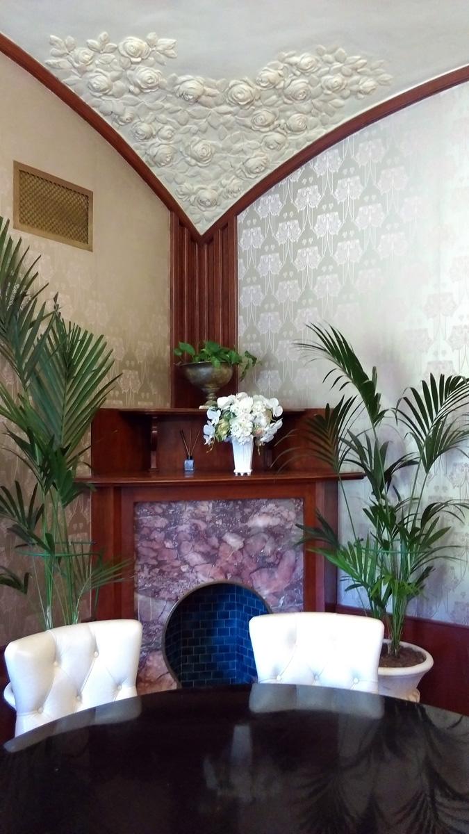 И попадаем в Малую гостиную, или Будуар хозяйки дома, супруги водочного магната П.П. Смирнова.