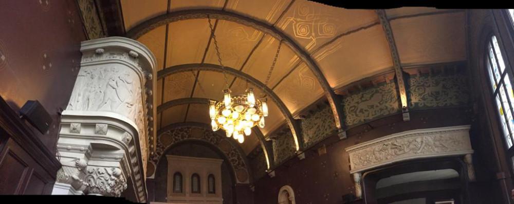 Самое интересное и роскошное помещение в особняке -  Романский зал.