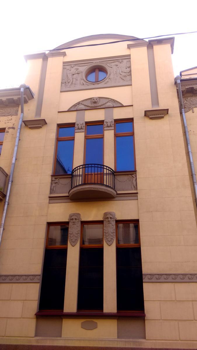 Москва, Хлебный переулок 21 строение 1. Особняк М. А. Тарасова. Построен в 1909–1910 гг. по проекту архитекторов М. Ф. Гейслера и К. А. Грейнерта.