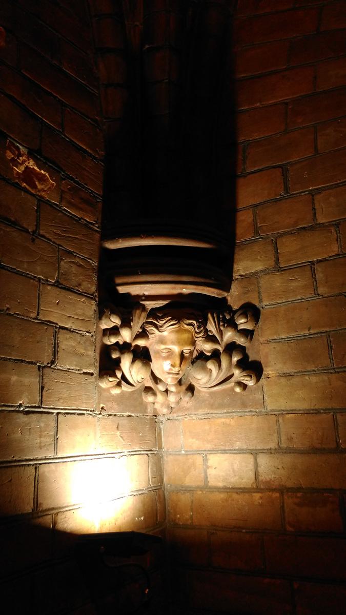 Внутри башни Англиканской церкви святого апостола Андрея