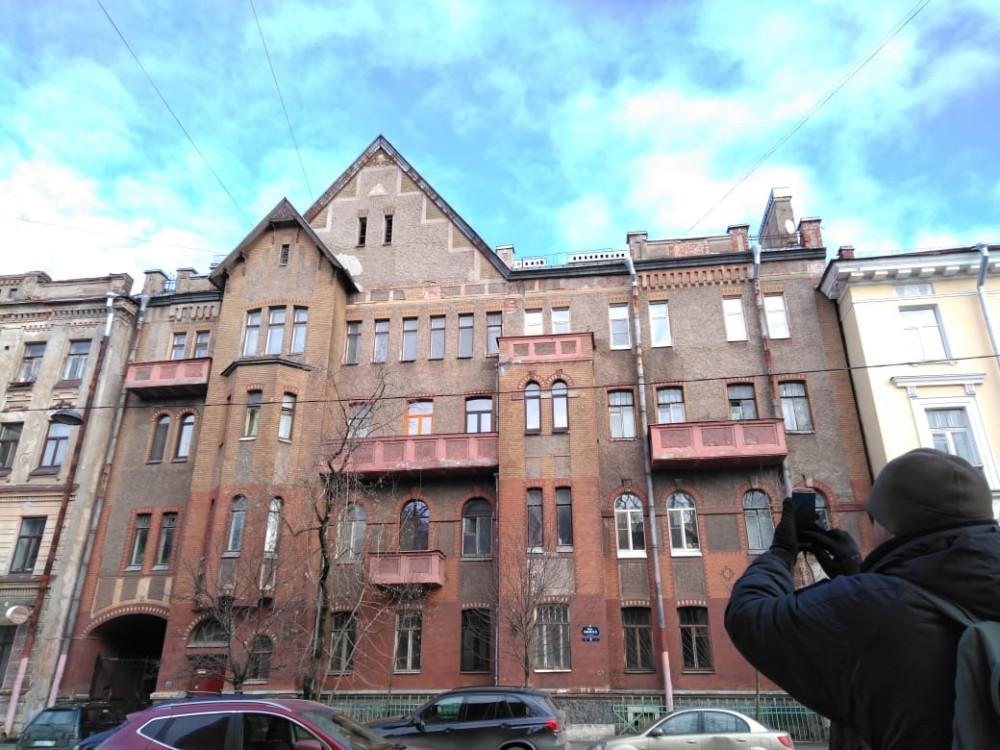 19 марта 2020.  Санкт-Петербург, 16-я линия В. О., 9. Доходный дом Александровской мужской больницы.