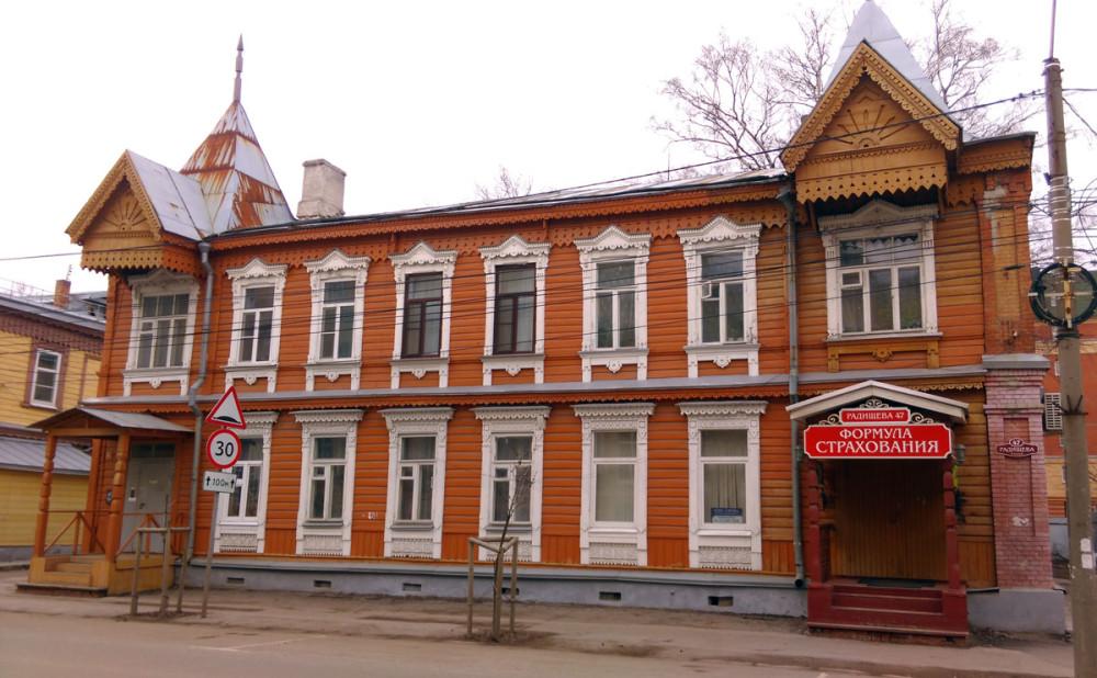 В Рязани много старинных деревянных зданий в разной степени сохранности...