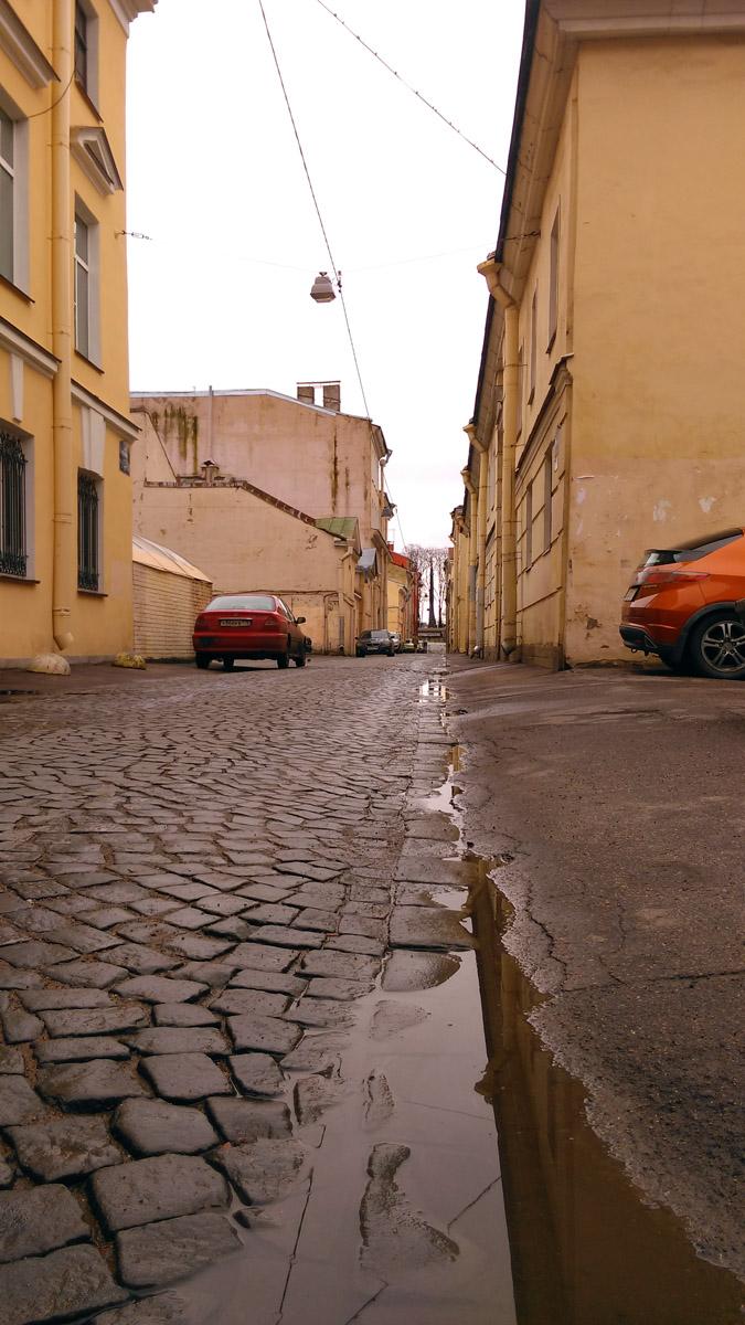 19 марта 2020. Санкт-Петербур, ул Репина. Самая узкая улица в городе, 5м60см.