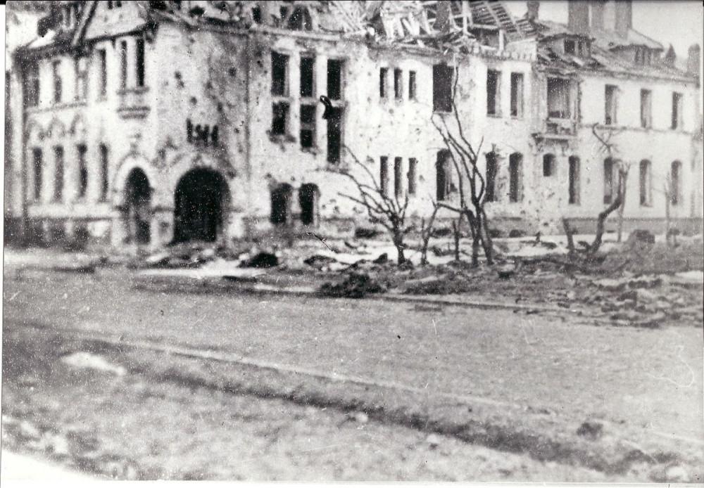 С 1921 года в особняке размещались подразделения научно-исследовательского и проектного института «Механобр». 7 ноября 1942 года в дом попала авиабомба.