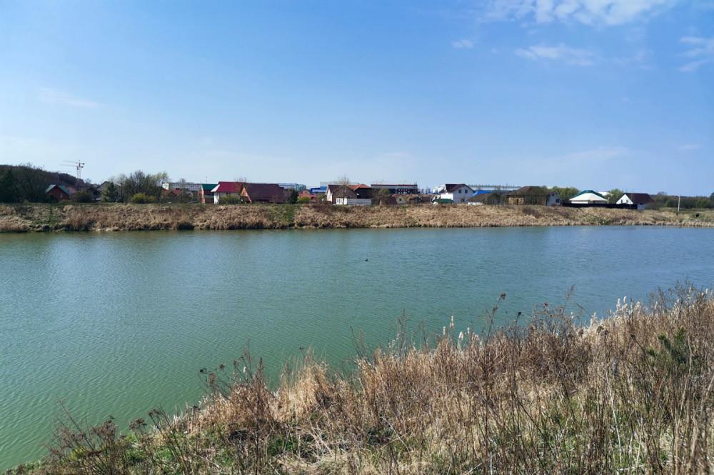 Нет. это еще не река Рожайка...  Один из прудов межу платформой Востряково Павелецкого направления Железной дороги и трассой М-4 Дон.