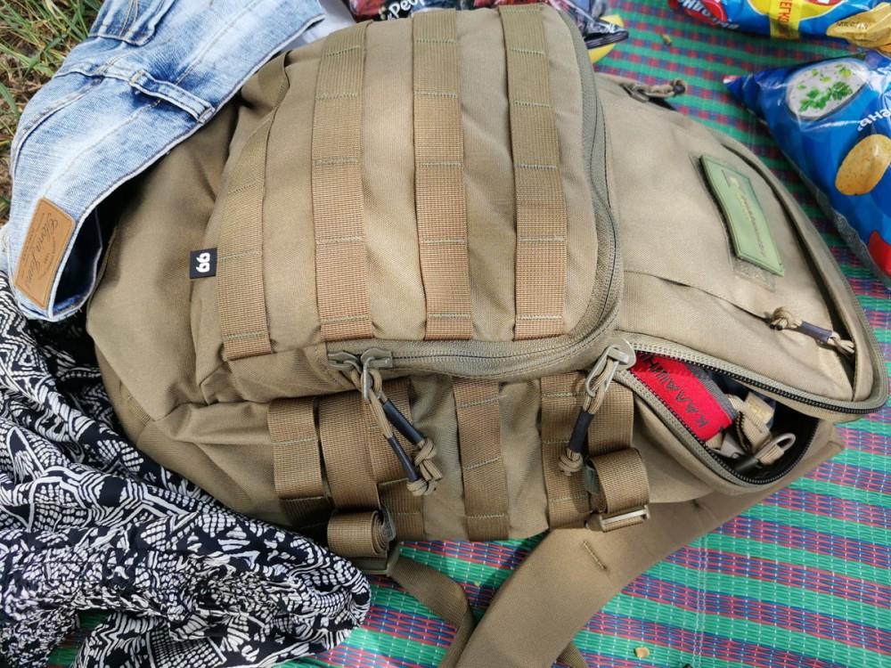 """А еще у меня обновка. Классический, проверенный временем, удобный и надежный рюкзак Т20 от """"Группа 99"""", но в новом очень приятном цвете УМБРА. Коричнево-песочный он очень гармонично выглядит на песчаном пляже. Да и вместимость подходящая для выезда на природу на денек. Обязательно расскажу про него подробнее в одной из следующих статей, а пока ссылка..."""