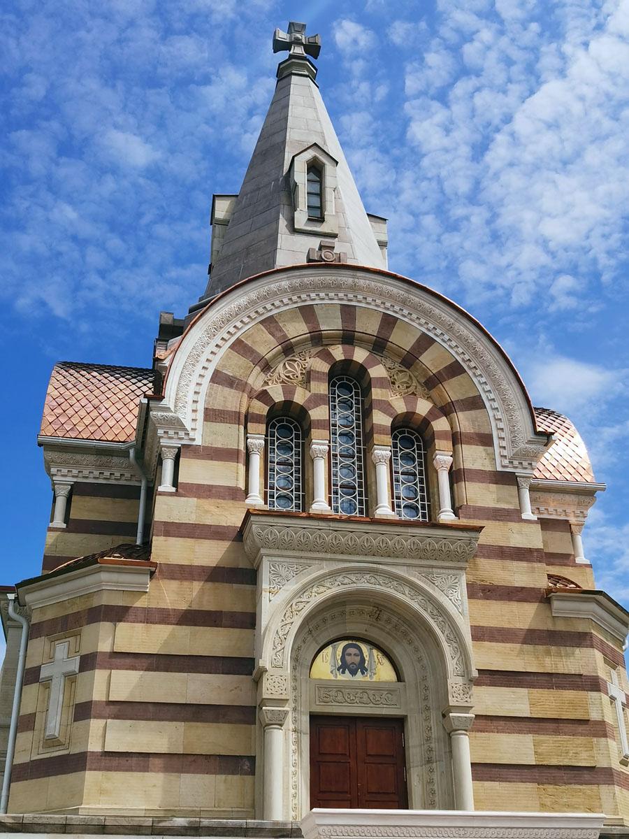 Храм Всех Святых построен в 1896 году, стала последним крупным строительным мероприятием Высоцкого монастыря в XIX веке.