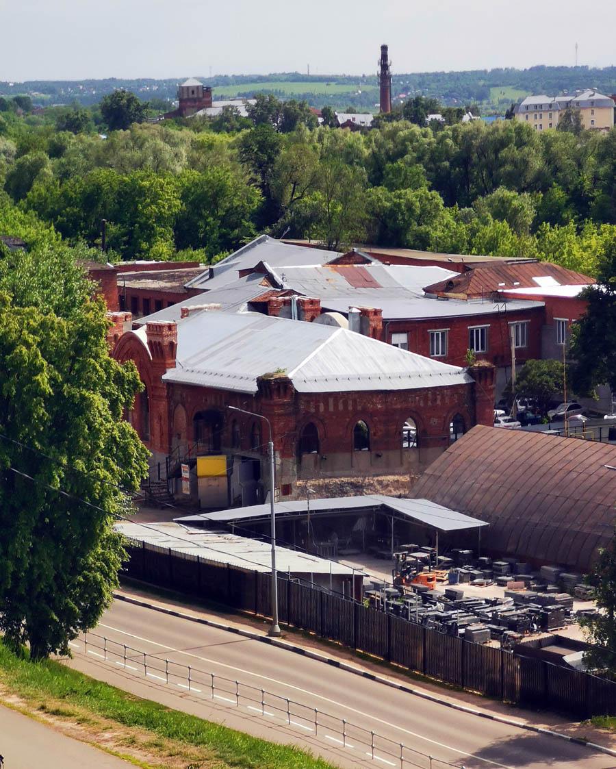 У западного подножия Красной горы бывшая насосная станция.