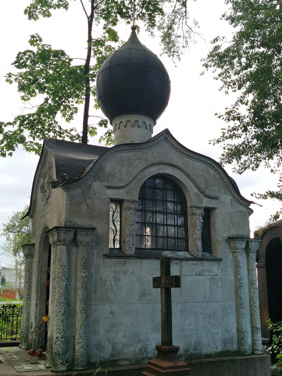 Часовня на могиле певицы А.Д. Бискупской-Вяльцевой