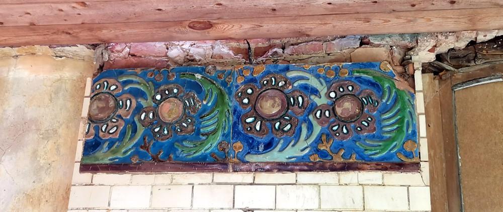 Сохранившийся фрагмент декора террасы