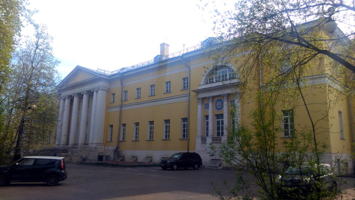 Городская клиническая больница № 4 г. Москвы.  Главный корпус.