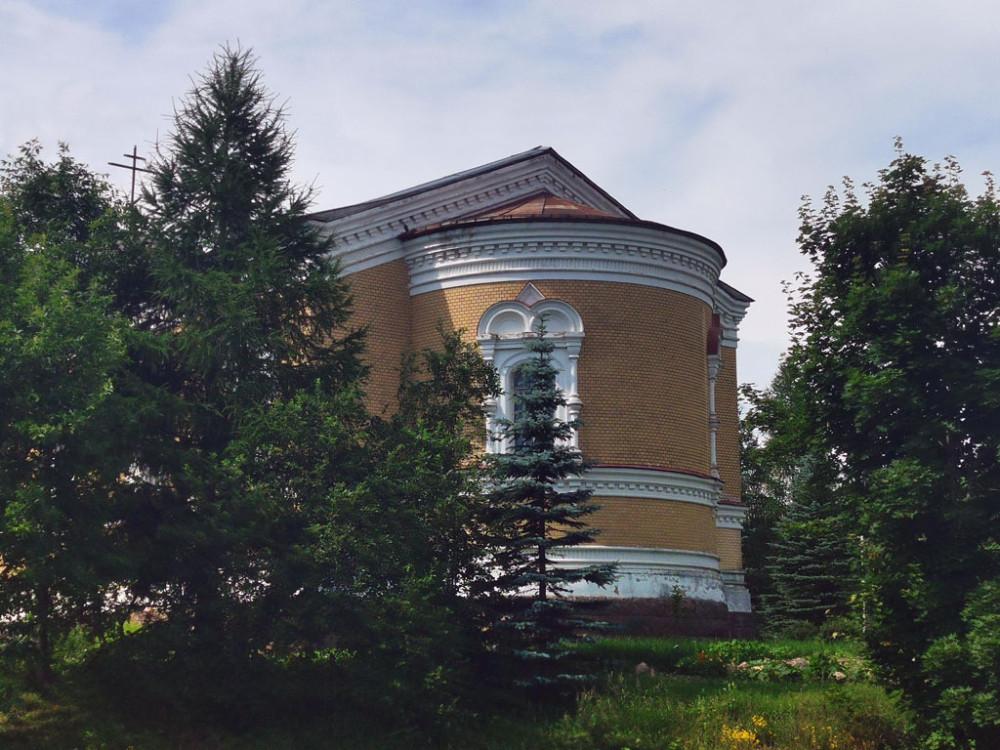 В советское время здание использовалось сначала под овощехранилище, а в 1966 году, по решению местной партийной организации, Никольская церковь была реконструирована под Белогорский Дом культуры.