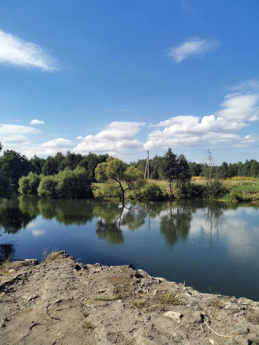 Фотографируем плотину и реку с площадки около плотины...