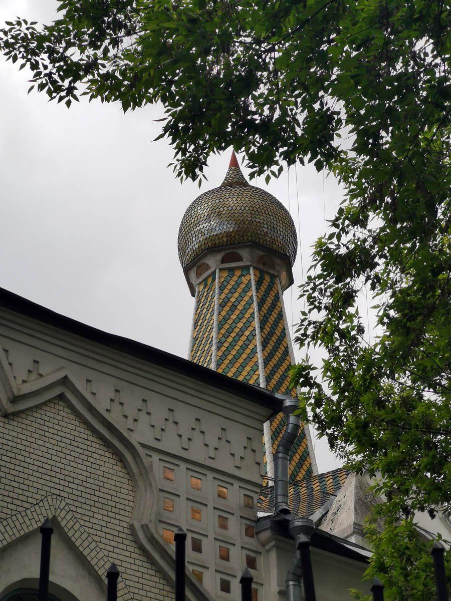 Покровский старообрядческий храм был заложен в 1908 г. и построен в 1911 г. по проекту и под руководством известного архитектора Ильи Бондаренко.