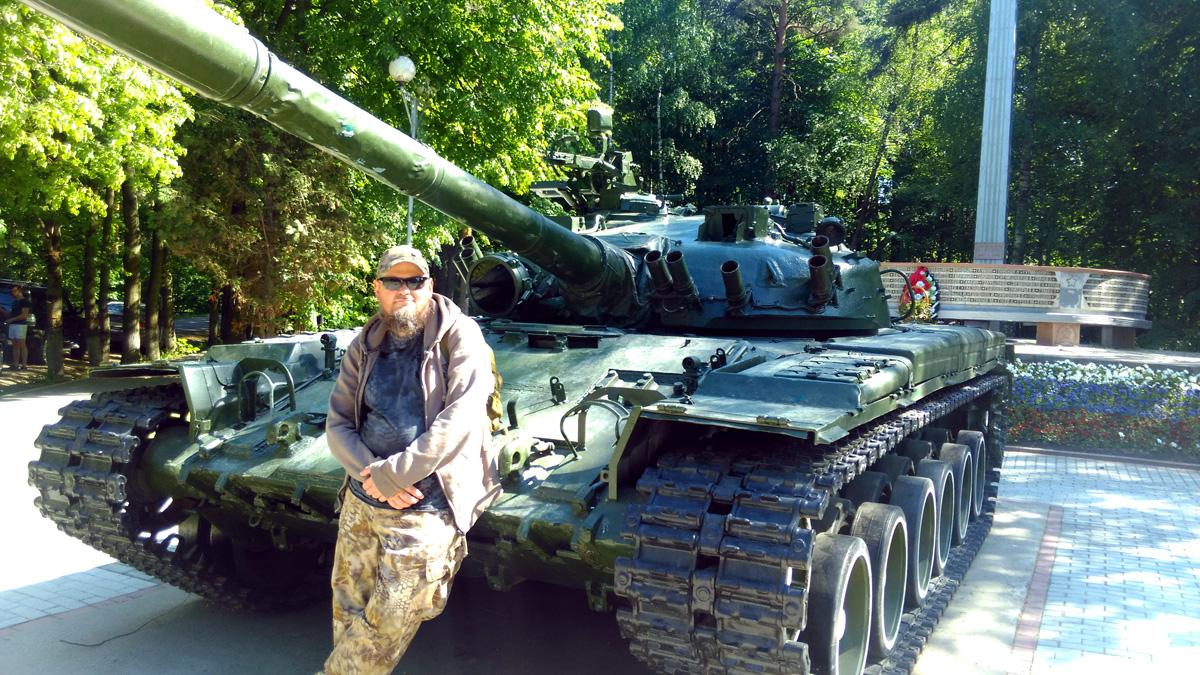 Памятник-танк Т-80 (Видное).