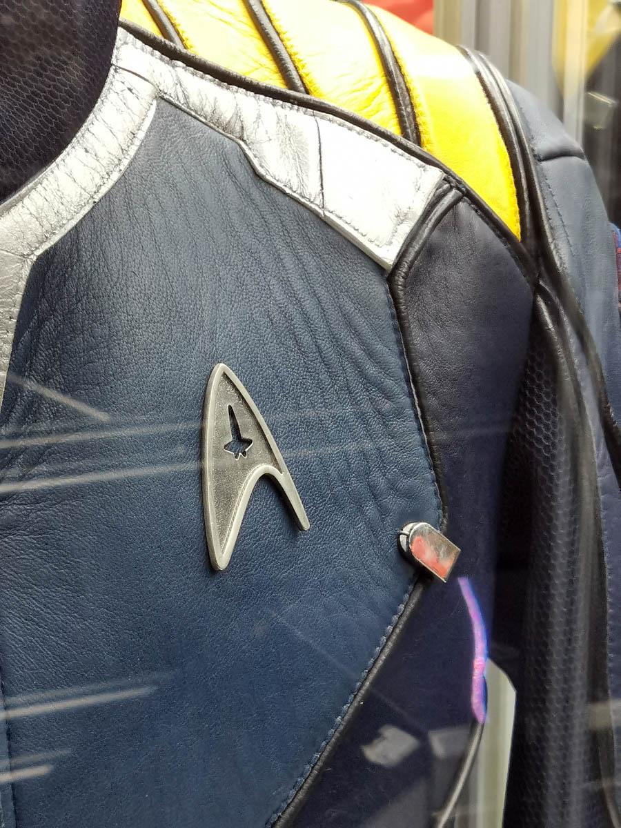 Можно даже заказать куртку супергероя любого размера.