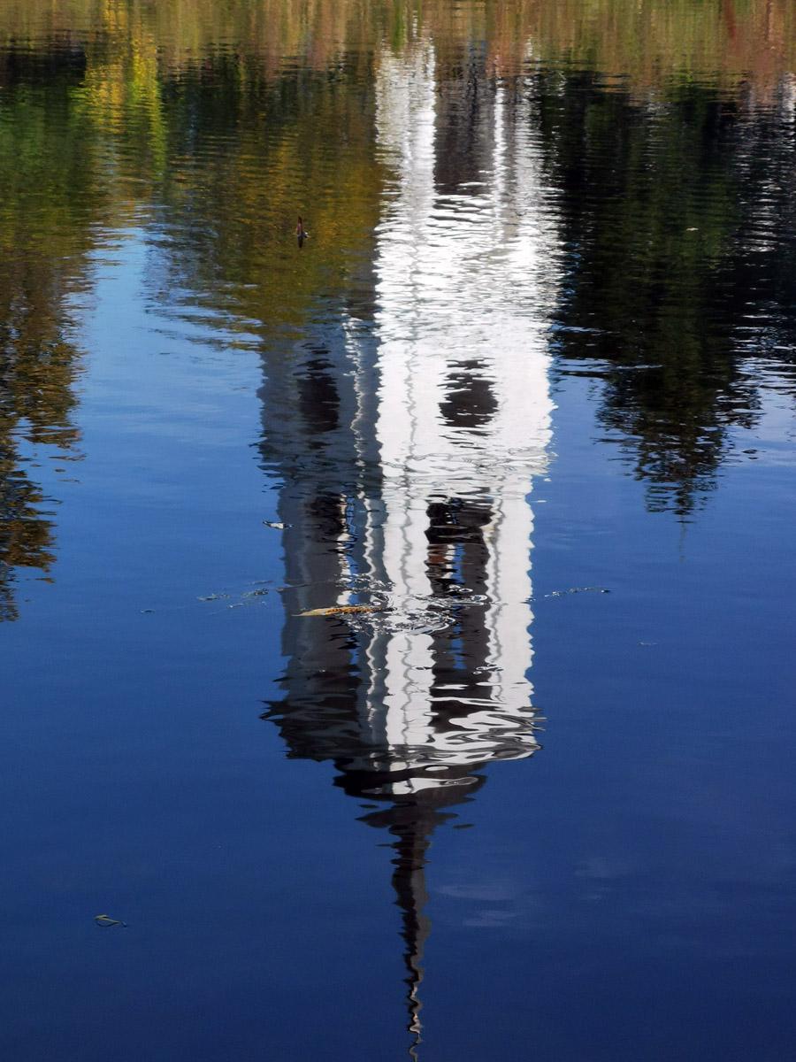 Как и отражение в водной глади...