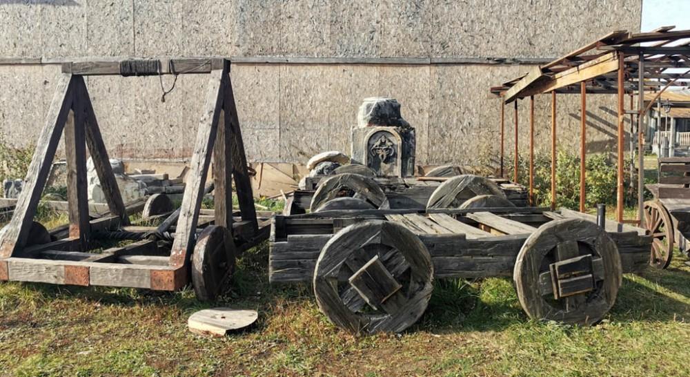 Древние телеги и катапульты...