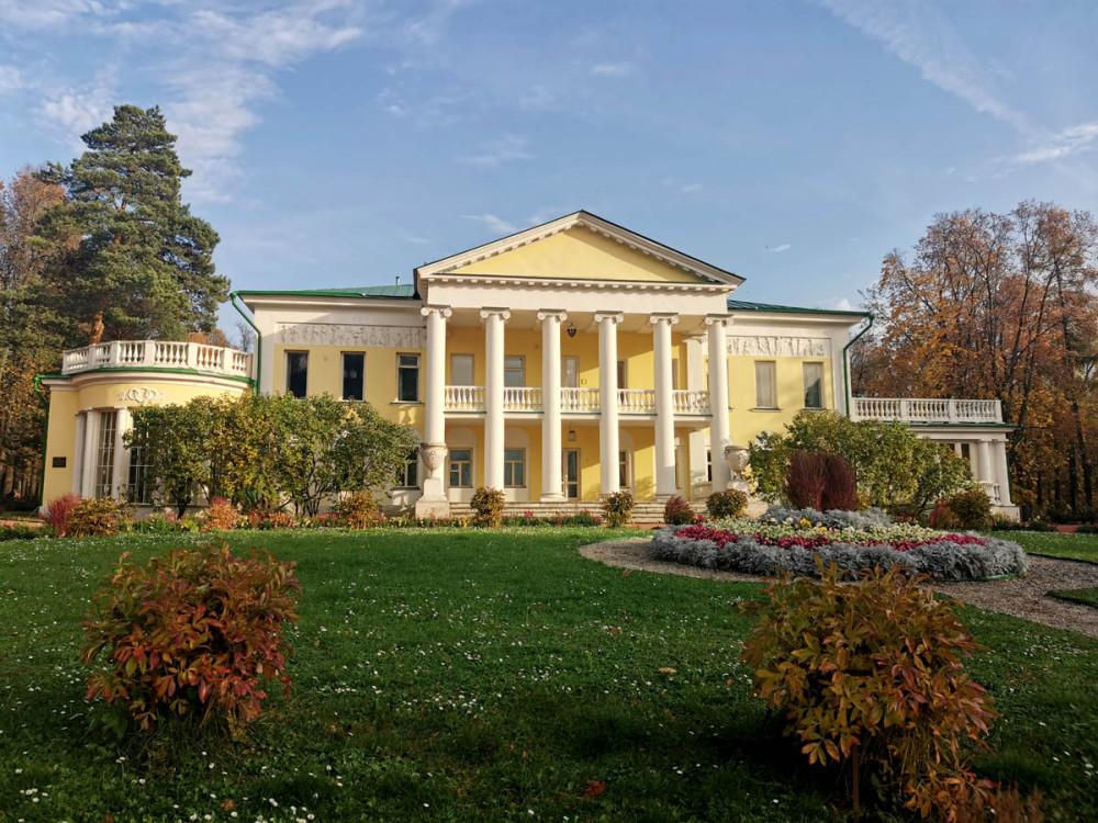 Главный (Большой) Дом усадьбы Горки.