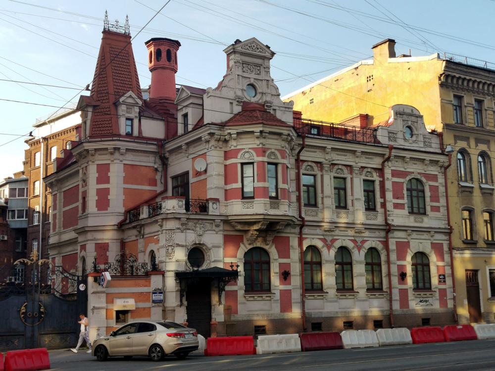 Особняк К. Б. Зигеля. Годы постройки: 1888-1890 Архитектор Китнер И. С.